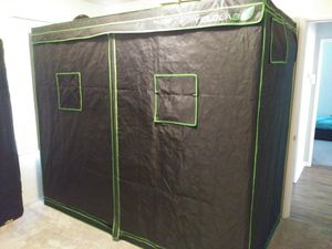 8x6 Grow tent for Sale in Modesto, CA