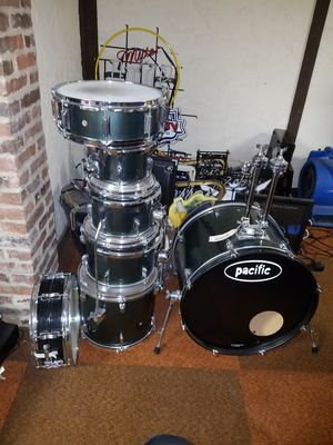 Pacific drum set for Sale in Florissant, MO