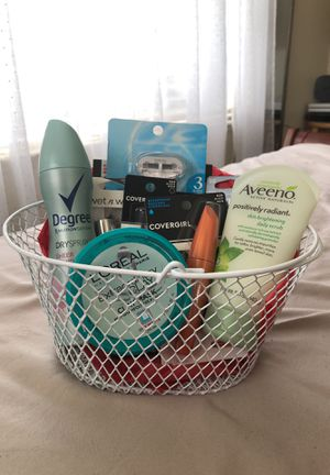 Makeup Gift Basket for Sale in Greenfield, CA