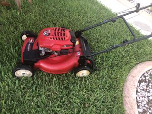 Red toro bull recycler lawn mower self propel lawnmower in excellent condition ready for service for Sale in Hialeah, FL