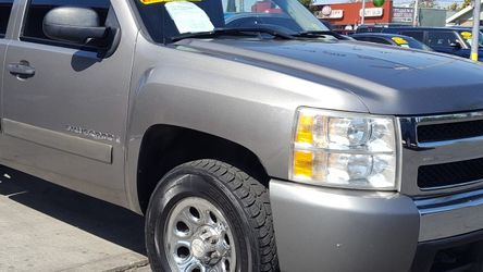 2007 CHEVY SILVERADO🚨CRÉDITO FÁCIL💣EZ-CREDIT*323*560*18*44* for Sale in East Los Angeles,  CA