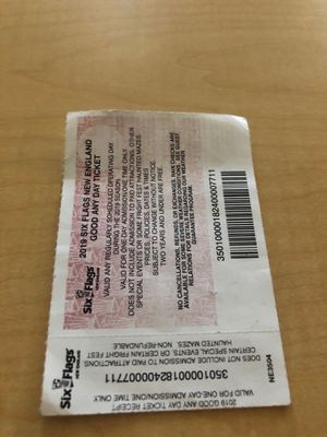 Sixflag tikets for Sale in Boston, MA