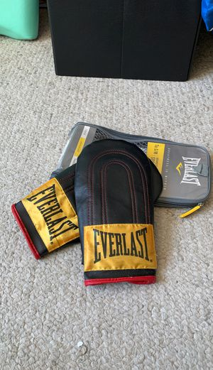 Everlast Speed Bag Gloves for Sale in San Diego, CA