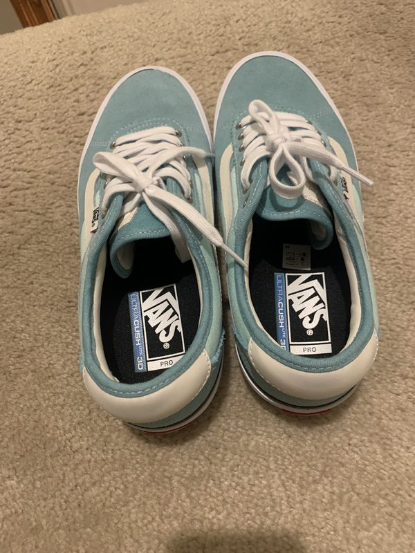 Vans Chima Pro Ultra Cush Teal / Blue / and White Mens Size 9.5