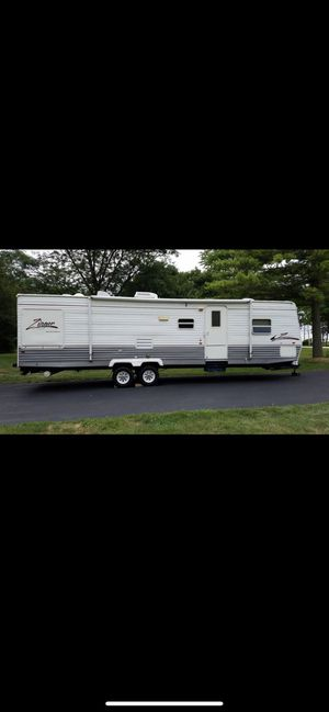 2006 CrossRoads Zinger 32ft. Travel Trailer for Sale in Elgin, IL