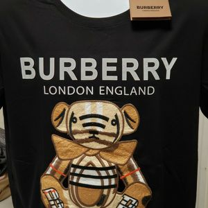 Burberry T shirt for Sale in Greenwich, CT