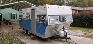 Beautiful 1972 Shasta Starflyte travel trailer for Sale in Stockbridge, GA