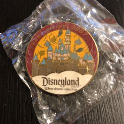 Disney Collector Pin - Thanksgiving 2007 Disneyland, CA for Sale in Midway City,  CA