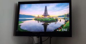 """32"""" tv with stand for Sale in Redmond, WA"""