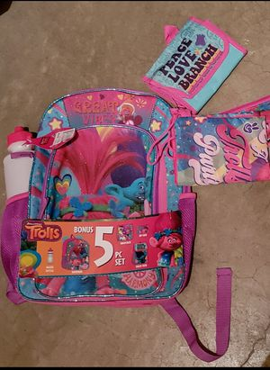 5 piece Trolls Backpack -NEW for Sale in Renton, WA