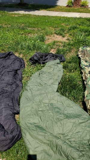 Army sleeping bags with carry bag for Sale in Fort Washington, MD