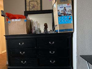 Dresser for Sale in San Marcos, CA