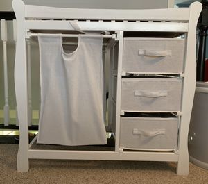 Great condition, Barely used changing table for Sale in Old Bridge Township, NJ