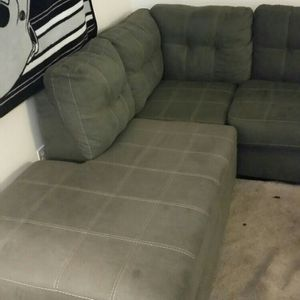 Gray Sectional, Good Condition for Sale in Vancouver, WA