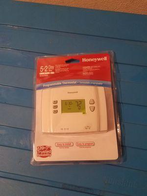 Honeywell digital thermostat for Sale in Austin, TX