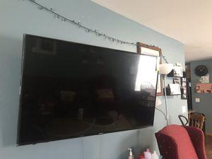 Smart TV Hisense 55 inch for Sale in Cedar Falls, IA