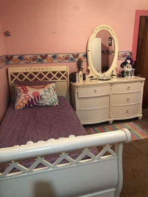 Twin bedroom set for Sale in Dearborn, MI