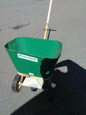Medal fertilizer spreader for Sale in Freeville, NY
