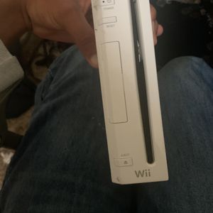Wii With Smash Bro's Brawl for Sale in Raleigh, NC