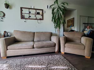 Loveseat+Couch for Sale in Vancouver, WA