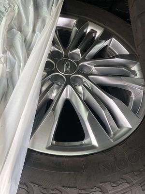 Cadillac rims and tires for Sale in Queens, NY