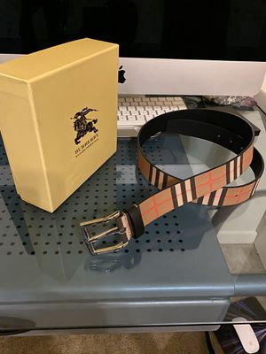 Burberry belt for Sale in Silver Spring, MD