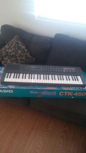 Keyboard casio CTK-450 for Sale in Jacksonville, FL