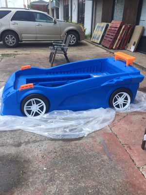 New Twin Car Toddler Convert into Twin Bef for Sale in Greenville, MS