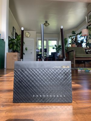 Asus AC1900 Dual Band Gigabit Router for Sale in Seattle, WA