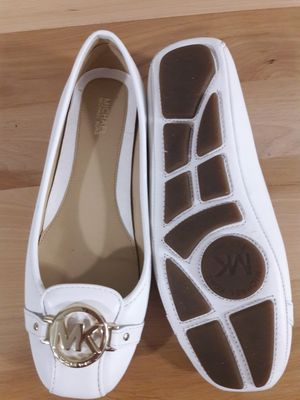 White Michael Kors Leather Shoes Size 8 for Sale in Tampa, FL