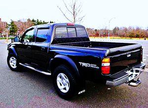 ֆ14OO 4WD Toyota Tacoma 4WD for Sale in Pomona, CA