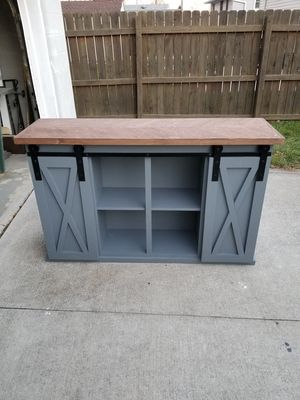 Console table/ buffet for Sale in Grove City, OH