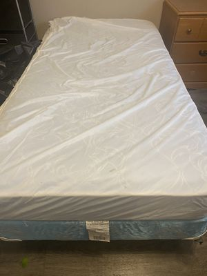Twin bed, frame & box spring for Sale in Columbia, MO