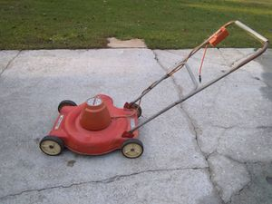 Black & Decker electric corded lawn mower for Sale in Lawrenceville, GA