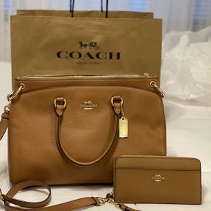 New Authentic Coach Handbag Crossbody And Wallet Set for Sale in Long Beach, CA