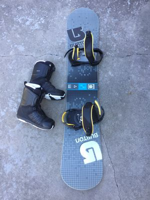 Burton LTR155 Snowboard with Burton bindings and Salomon Faction BOA size 9 boots and carry bag for Sale in Mansfield, TX