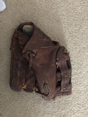 American made Nokoma AMG 1275 baseball glove. Buffalo leather for Sale in Woodhaven, MI