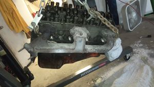Chevy small block motor for Sale in Charleston, WV