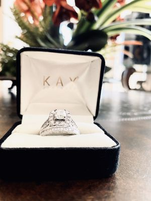 Engagement ring and wedding band for Sale in Los Angeles, CA