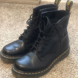 Dr. Martens Boot Unisex Shoes for Sale in Greenwich Township, NJ