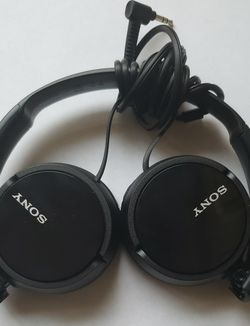 Sony MDR-ZX110 Headphones for Sale in San Antonio,  TX