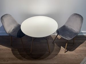 Modern dining table for Sale in Kansas City, MO
