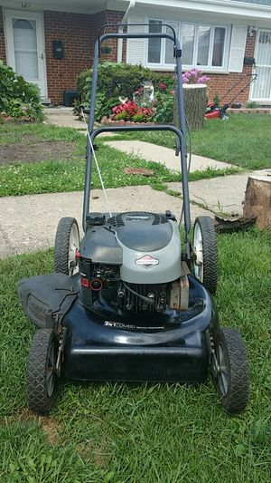 """MURRAY 20"""" LAWN MOWER AND MULCHER for Sale in Niles, IL"""