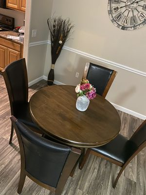 Dining Room Table & Chairs for Sale in Chandler, AZ