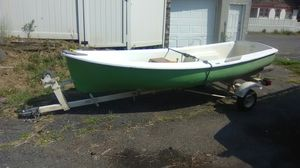 12 foot boat and trailer for Sale in New Haven, CT