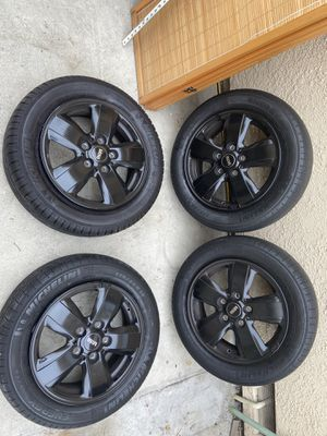 Michelin tires 175/65/15 5 lugs (2017 Mini Cooper) for Sale in View Park-Windsor Hills, CA