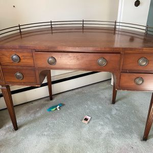 Round Desk for Sale in Wallingford, CT