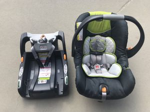 Chico keyfit car seat for Sale in Los Angeles, CA