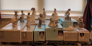 Lot of 11 Lladro Porcelain Figurines for Sale in Sanatoga, PA