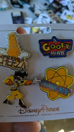 Disney goofy collectible pins set new 10$ for Sale in Pico Rivera, CA